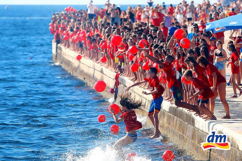 13. DM MILLENIUM JUMP: Na zadarskoj rivi tri tisuće ljudi skače u more za humanitarni cilj