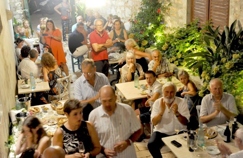 PREMIJERNO KUŠANJE: Danica, pjenušavo vino od autohtone hvarske sorte bogdanuše