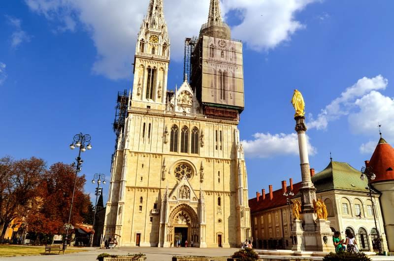 La cattedrale di Zagabria – edificio piu alto e piu bello della citta