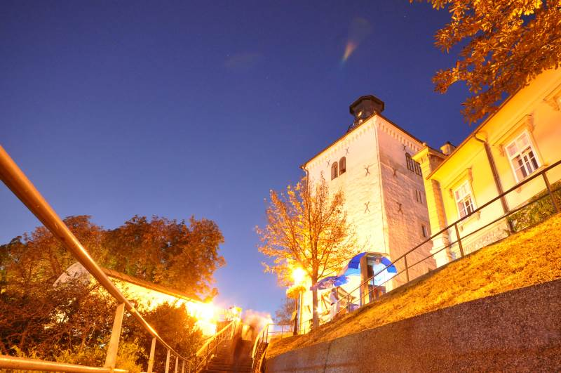 Tradizione medievale a Zagabria: La Torre Lotrščak e un vero colpo di cannone