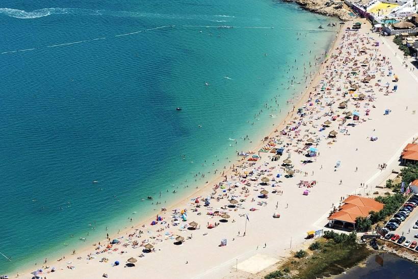 Spiaggia Zrće a Novalja