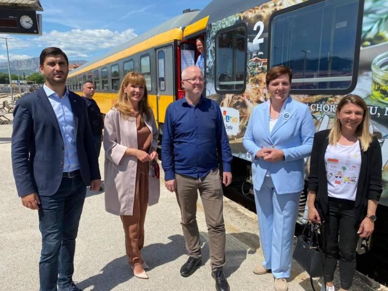 Prvi ovogodišnji RegioJet vlak s češkim, slovačkim i mađarskim turistima stigao u Split
