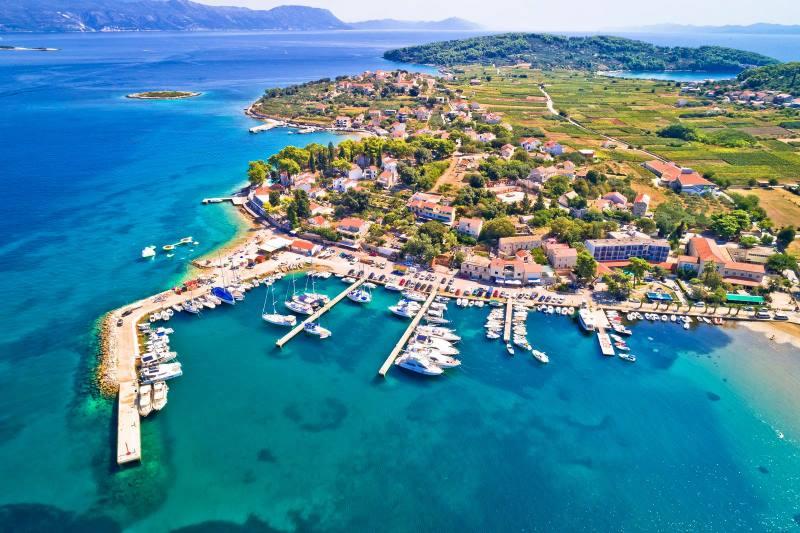 Francuzi oduševljeni Hrvatskom, jedan naš otok uvrstili na dvije liste najpoželjnijih destinacija