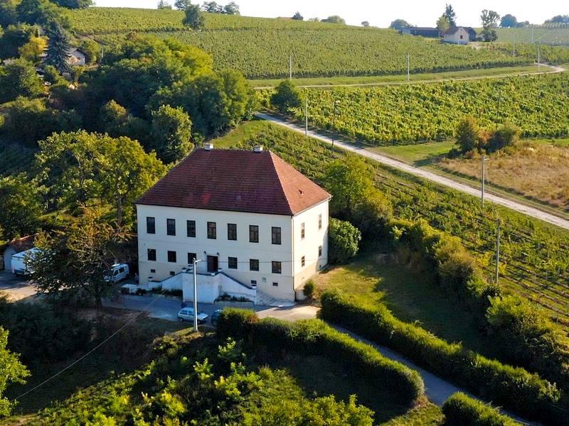 U povijesnoj kuriji Nespeš, u zelinskom prigorju, spajaju se glazba, vino i hrana